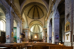 Eglise paroissiale Notre-Dame, Saint-Nicolas (ancienne collégiale) - Français:  Nef de l'église Notre-Dame-et-Saint-Nicolas de Briançon (France).