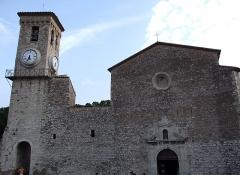 Tour du Suquet, chapelle Sainte-Anne et église Notre-Dame-de-l'Espérance - Français:   Eglise Notre-Dame de l\'Espérance, Le Suquet, Cannes, FRANCE