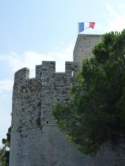Tour du Suquet, chapelle Sainte-Anne et église Notre-Dame-de-l'Espérance - Français:   Tour du Suquet et Chapelle Sainte-Anne (fortifications), Le Suquet, Cannes (Musée de la Castre).