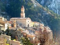 Eglise Sainte-Marguerite - English: Lucéram (Alpes Maritimes, France) in winter