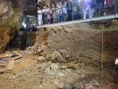 Grotte préhistorique du Lazaret - Français:   Visite de la grotte du Lazaret, lors des Journées Européennes du Patrimoine 2011, Nice, Alpes-maritimes, France.