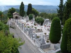 Remparts et cimetière avoisinant - English: The cemetery of Saint-Paul de Vence, Alpes-Maritimes department, France.