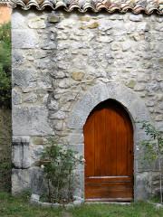 Chapelle Saint-Léonce (vestiges) - Français:   Valderoure - Chapelle Saint-Léonce - Portail