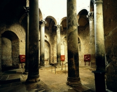 Cathédrale Saint-Sauveur - This building is classé au titre des monuments historiques de la France. It is indexed in the base Mérimée, a database of architectural heritage maintained by the French Ministry of Culture,under the reference PA00080981 .