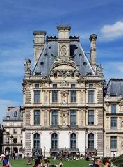 Château de Montjustin (ou de la Gourdonne) - Le palais du Louvre à Paris.
