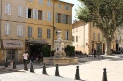 Fontaine des Tanneurs - Français:   Place des Tanneurs, Aix-en-Provence (France)