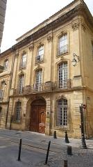 Ancien Hôtel Maynier d'Oppède ou Thomassin de Saint-Paul - This building is en partie classé, en partie inscrit au titre des monuments historiques de la France. It is indexed in the base Mérimée, a database of architectural heritage maintained by the French Ministry of Culture,under the reference PA00081041 .