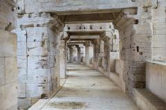 Amphithéatre ou Arènes - Détail des circulations des arènes d'Arles.