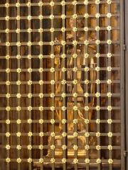 Eglise de la Major - Arles (Bouches-du-Rhône, France), intérieur de l'église Notre-Dame-la-Major, autel & retable de N.D.la Major; de nos jours buste et tableau ayant disparu, la niche fermée par une grille abrite une statue-reliquaire du XVIIe siècle  de saint Charles-Borromée qui autrefois se trouvait dans l'ex-chapelle St Charles-Borromée aujourd'hui chapelle St Joseph.