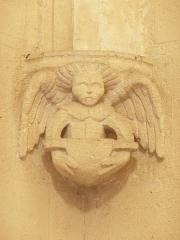 Eglise de la Major - Arles (Bouches-du-Rhône, France), intérieur de l'église Notre-Dame-la-Major, chapelle St Martin, console probablement refaite sur le modèle de la précédente.