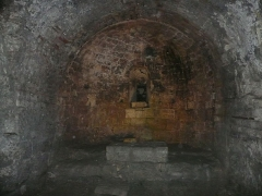 Forum - Français:   Arles (Bouches-du-Rhône, France), cryptoportiques, substructions, autrement dit fondations, soutenant l\'antique forum arlésien.