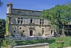 Manoir Renaissance dit Mas de la Brune - Français:   Manoir Renaissance dit Mas de la Brune à Eygalières, Bouches-du-Rhône, France.