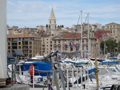 Clocher des Accoules au vieux port - Deutsch: Marseille, Alter Hafen und Kirche Notre-Dame-des-Accoules
