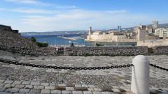 Fort Saint-Jean - Deutsch: Marseille, Blick vom Fort Saint-Nicolas auf das Fort Saint-Jean