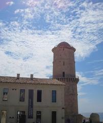 Fort Saint-Jean - Deutsch: Marseille, Fort Saint-Jean, Tour du Fanal