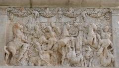 Mausolée dit Tombeau des Jules - Mausolée de Glanum (Classé)