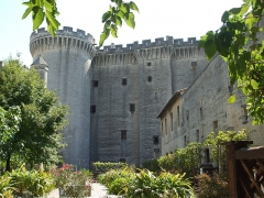 Château du Roi René - This building is indexed in the Base Mérimée, a database of architectural heritage maintained by the French Ministry of Culture,under the reference PA00081473 .