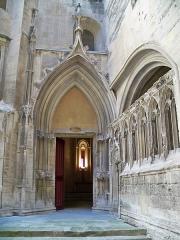 Château du Roi René - Porte Chapelle basse du chateau de Tarascon (13)