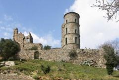 Vestiges du château - Deutsch: Die Burg in Grimaud – Frankreich/Département Var/Grimaud/Burgbering