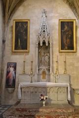 Eglise Saint-Agricol - Collégiale Saint-Agricol parvis, escalier (Classé)
