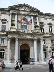 Hôtel de ville -  Avignon-Hotel de Ville-Rathaus von Avignon 1845-1856 von leon Feucheres erbaut-Place de le Horloge 2.