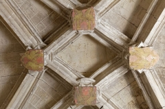 Eglise Saint-Michel - English: Blasons des seigneurs d'Ancezune, au sommet de la nef de la chapelle Saint-Claude de style gothique flamboyant.