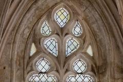 Eglise Saint-Michel - English: Détail d'un vitrail de la chapelle Saint-Claude de l'église Saint-Michel. Cette chapelle est de style gothique flamboyant d'inspiration anglaise par ses liernes et tiercerons.