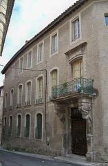 Immeuble - Maison des Cariatides de Carpentras (Vaucluse), batiment inscript sur la liste des monuments historiques.