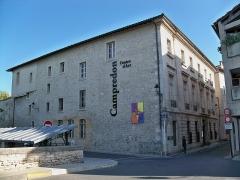 Immeuble ou hôtel Donadei de Campredon - Français:   hôtel Donadei de Campredon de L\'Isle sur la Sorgue (84)