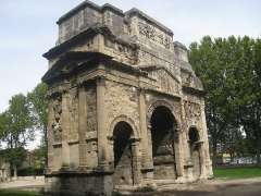 Arc antique -  Built by the romans in Gaul celebrating victories against the Gauls