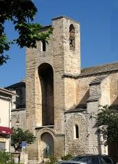 Eglise Notre-Dame-de-Nazareth - Nederlands:   Pernes-les-Fontaines, Kerk Onze-Lieve-Vrouw van Nazareth, Vaucluse, Provence-Alpes-Côte d\'Azur, Frankrijk. Van oorsprong provençaals-romaanse stijl, XIde eeuw. Hersteld XIVde en XVIIde eeuw.