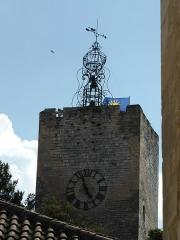 Tour de l'Horloge, dit aussi ancien château des comtes de Toulouse - Français:   Tour de l\'Horloge de Pernes les Fontaines
