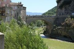 Pont romain - Français:   Pont romain de Vaison-la-Romaine