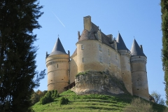 Château de Bannes - This building is indexed in the Base Mérimée, a database of architectural heritage maintained by the French Ministry of Culture,under the reference PA00082340 .