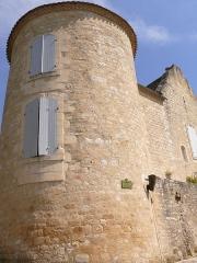 Maison - Français:   Fortifications de Beaumont-du-Périgord - Ancienne tour nord-ouest