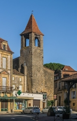 Beffroi - English: Belfry and Place d'Armes in Belvès, Dordogne, France