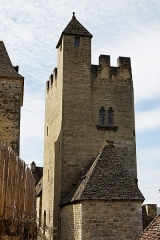 Restes de l'ancien couvent de Beynac -  Tour de l'ancien couvent de Beynac, Beynac-et-Cazenac, Dordogne, France.