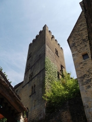 Restes de l'ancien couvent de Beynac - Français:   Tour de chevalier dite tour du couvent de Beynac (Inscription)