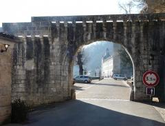 Ancienne abbaye - Français:   La porte des Réformés, Brantôme, Dordogne, France