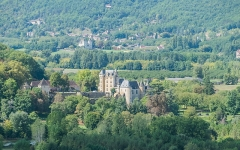 Château de Fayrac - English: View of the castle of Fayrac from the castle of Marqueyssac, Dordogne, France