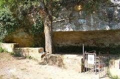 Abri de Cro-Magnon - Français:   abri cro magnon