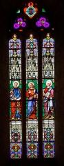Eglise Saint-Dominique -  Vitrail du chevet réalisé par Jean Besseyrias.