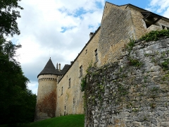 Château de Coulonges - Français:   Le côté nord-ouest du château de Coulonges, Montignac, Dordogne, France.