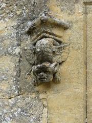 Château de Monsec - Français:   Décor de fenêtre de la tour sud du château de Monsec, Mouzens, Dordogne, France.