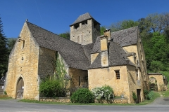 Eglise de Saint-Crépin - This building is indexed in the Base Mérimée, a database of architectural heritage maintained by the French Ministry of Culture,under the reference PA00082816 .