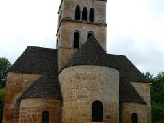 Eglise Saint-Léonce - Français:   Les toits en lauzes de l\'église Saint-Léonce, Saint-Léon-sur-Vézère, Dordogne, France.