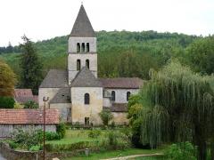 Eglise Saint-Léonce - Français:   L\'église Saint-Léonce vue depuis l\'est, Saint-Léon-sur-Vézère, Dordogne, France.