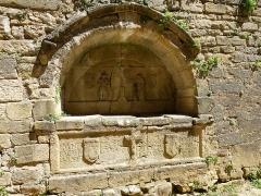 Cimetière Saint-Benoît, enfeux et chapelle sépulcrale - Français:   Sarlat-la-Canéda ( Dordogne ). Passage des Enfeus ( Cemetery ) - Arcosolium grave.
