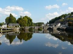 Ancien Pont - La partie aval du vieux pont de Terrasson sur la Vézère, Terrasson-Lavilledieu, Dordogne, France.