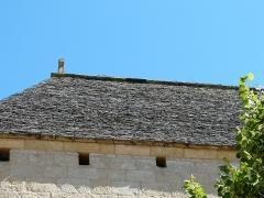 Eglise Saint-Julien - Français:   Le toit en lauzes du clocher de l\'église Saint-Julien de Tursac, Dordogne, France.